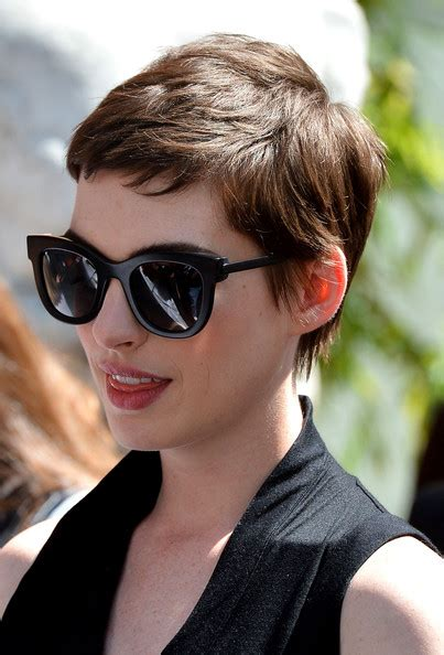 I absolutely love anne hathaway's new short haircut. Anne Hathaway Pixie - Short Hairstyles Lookbook - StyleBistro