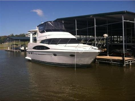 Speed Boats For Sale In Tennessee by 2001 Carver 396 Motor Yacht Powerboat For Sale In Tennessee