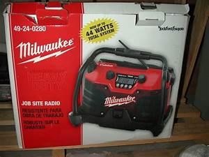 Milwaukee Job Site Radio Bloodydecks