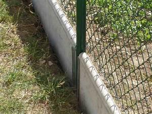 Betonová podezdívka pod plot