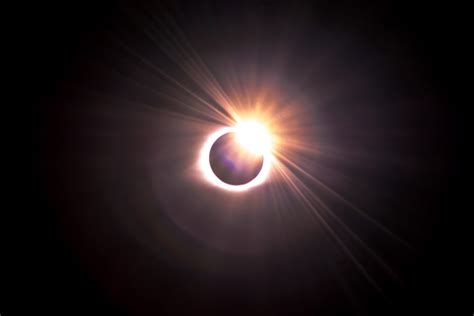 dangerous solar eclipse     place  christmas day itll   blind