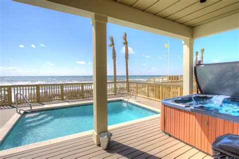 houses with tubs to rent fin heated pool tub tables