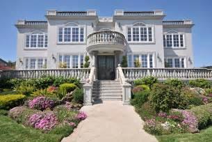 2 storey house ただの大豪邸ではない ハイテクで個性的なビルゲイツ宅の魅力12個 お金の学校