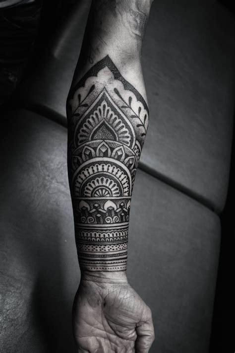 Tatouage Manchette Mandala Tatouage Mandala Dos Homme
