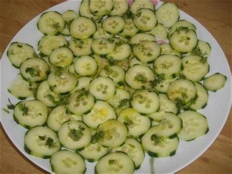 cuisiner des concombres recette salade de concombre citronnée 750g