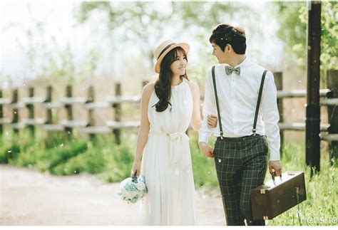 30 Ide Konsep Prewedding Ala Korea Casual Indoor Dan