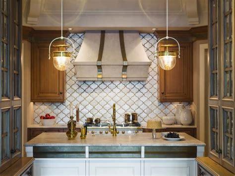 choosing   kitchen island lighting   home
