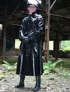 Vetement De Pluie Homme : ah un homme en cir noir imperm able pinterest ~ Dailycaller-alerts.com Idées de Décoration