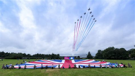 Armed Forces Day 2020: Queen and Prime Minister lead ...