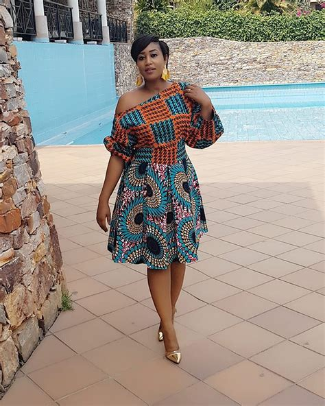 Ankara Latest Fashion Styles Short Gown Styles 2018 for Fashionable Ladies