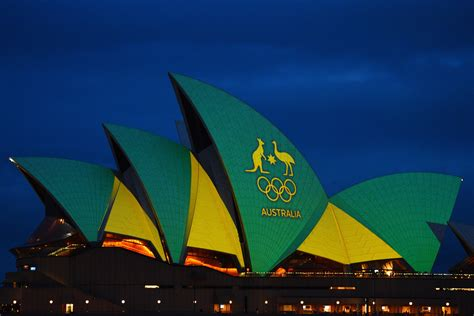australian colors opera house lights up in aussie colours for nine