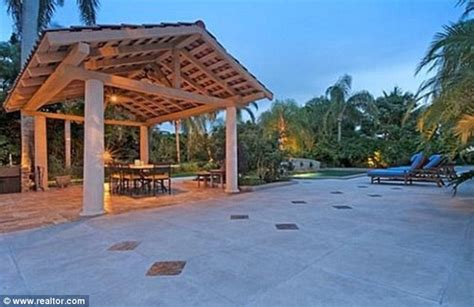 Bill Gates rents $600,000 a month mansion for his daughter ...