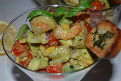 comment cuisiner un avocat salade d avocat aux crevettes par toimoietcuisine
