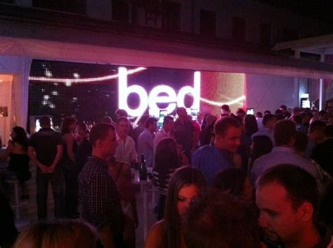 club bed bed budapest club