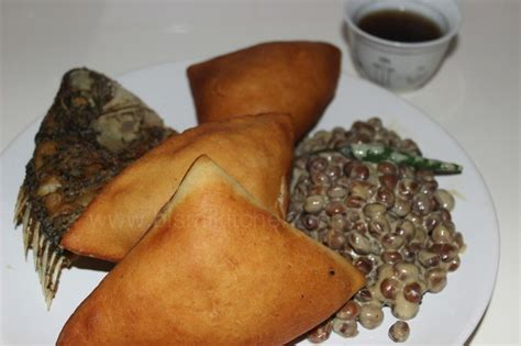breakfast  kenya  feast   king  mahamri
