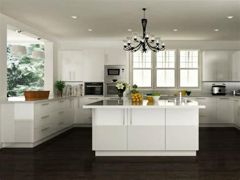 cuisine photo la cuisine blanche laquée en 35 photos qui vont vous inspirer