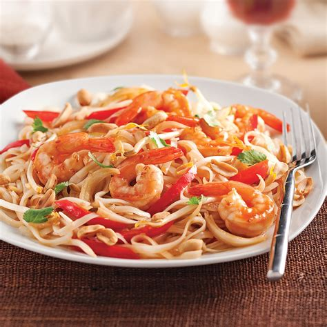 cuisiner crevette pad thaï aux crevettes recettes cuisine et nutrition