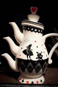 Alice In Wonderland Teapot Alyson Wonderland Pinterest
