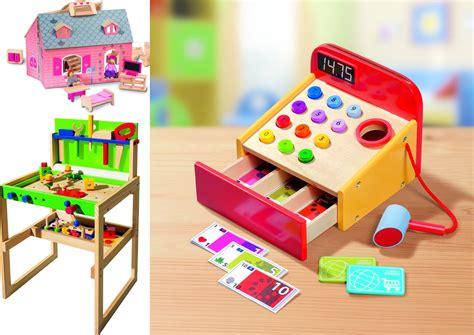 cuisine en bois jouet occasion les jouets en bois débarquent chez lidl concours