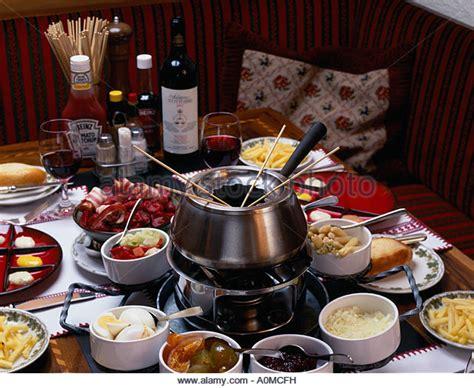 cuisine bourguignonne bourguignonne fondue stock photos bourguignonne fondue