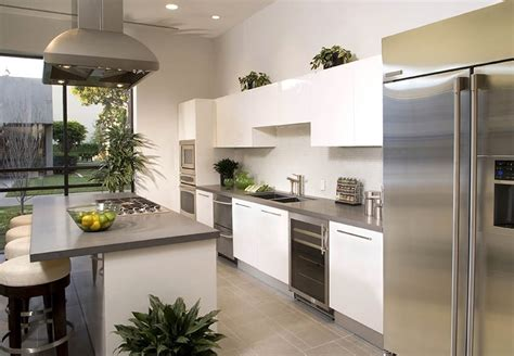 plants above kitchen cabinets decorating ideas for the space above kitchen cabinets 8902