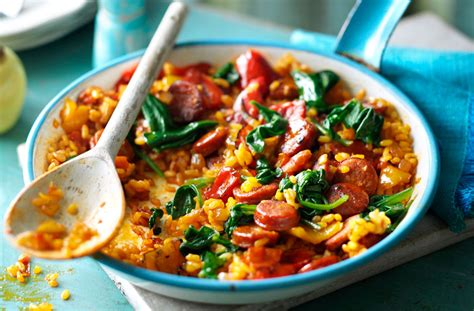 cuisine paella chorizo and spinach paella tesco food