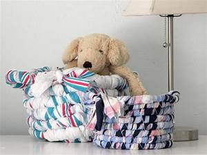 Free Patterns And Instructions For Crafting Baby Clothes And Gifts