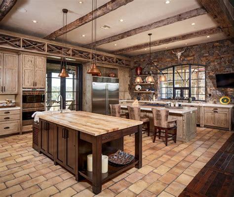 beaux designs de cuisine rustique avec des poutres en bois apparentes bricobistro