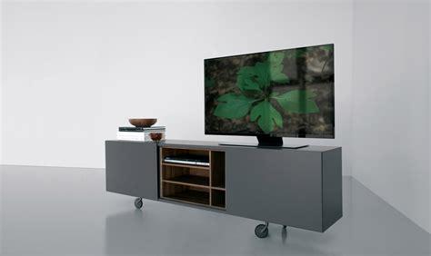 mobile porta tv con rotelle mobili tv con rotelle standmounts supporto per tv a