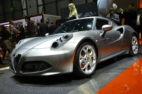 2014 Alfa Romeo 4c Review Specs And Price New Car Carscom
