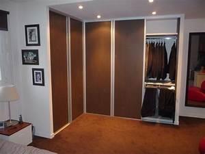 Porte Coulissante Angle Droit : 2 fois 2 portes coulissantes pour ce dressing d 39 angle croix ~ Melissatoandfro.com Idées de Décoration