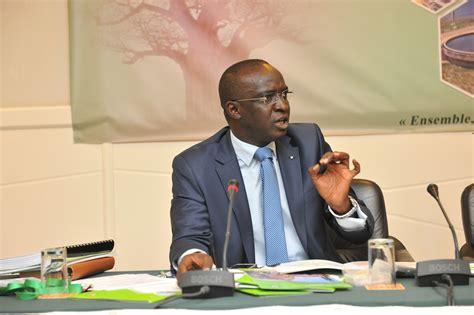 mamadou moustapha ba nouveau directeur de cabinet du premier ministre