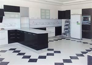 charmant modele salle de bain 4m2 14 cuisine noir et With modele cuisine noir et blanc
