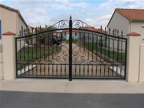 Portail En Fer Forgé Portail Fer Forg 233 Contemporain Recherche Portail Window Bars Iron