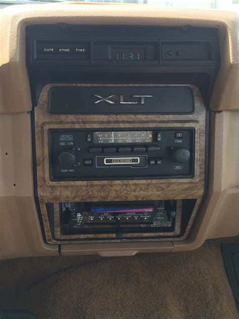 set stations  stock  ford dolby radio ford