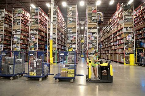 amazon melbourne location of first warehouse step toward