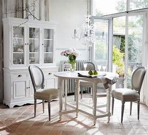 decoration maison de campagne un melange de styles chic With deco cuisine avec buffet salle a manger blanc