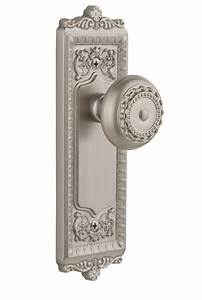 Windsor Plate With Parthenon Knob Satin Nickel