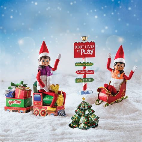 scout elves  play paper crafts
