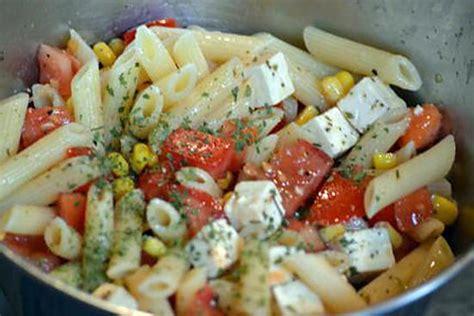 salade de pates recette recette de salade de p 226 tes 224 la feta rapide