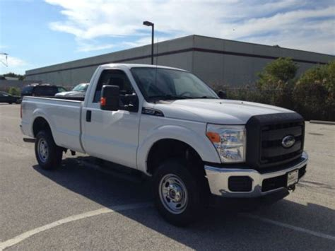 Sell used 2011 Ford F250 XL 4x4 regular cab 8ft. bed 5.4