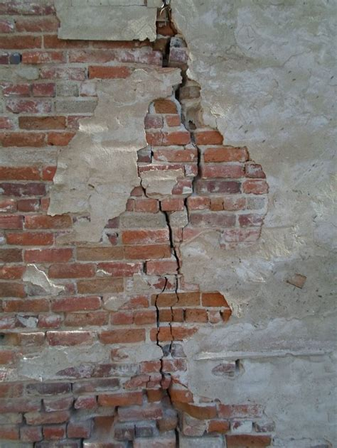 cracked brick wall china alley hanford california dsmc