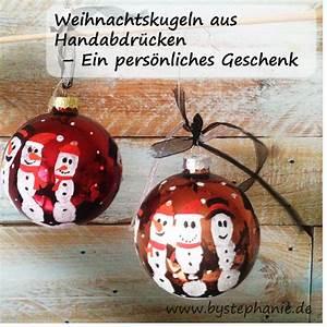 Bastelideen Weihnachten Erwachsene : weihnachtskugeln mit handabdruck basteln weihnachten ~ Watch28wear.com Haus und Dekorationen