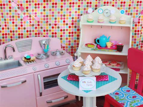cupcake kitchen decor 4 adorable birthday themes for entertaining