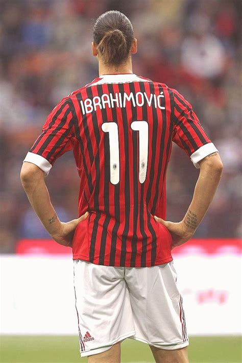 Share your best zlatanisms below. Zlatan Ibrahimovic Quotes Wallpaper in 2020 | Ac milan ...