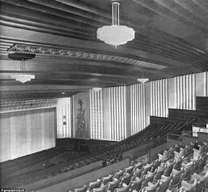 Eerie pictures from inside the once opulent cinema the for Art deco cinema interior