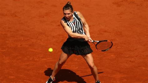 Simona Halep and Sloane Stephens reach the 4th round at the French Open