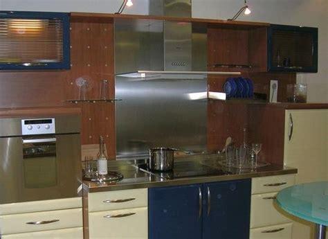plaque de cuisine gaz credence derriere plaque cuisson table de cuisine