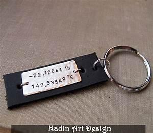 Schlüsselanhänger Für Männer Mit Gravur : leder schl sselanh nger mit gravur geschenk von ~ Jslefanu.com Haus und Dekorationen