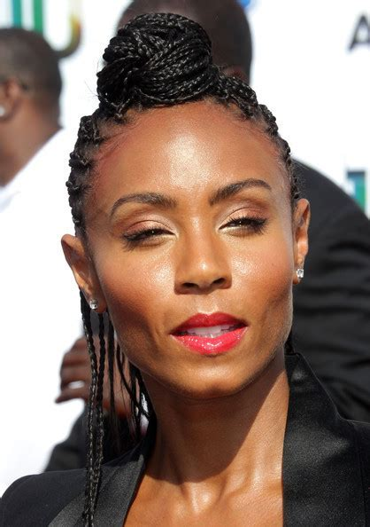 More Pics of Jada Pinkett Smith Long Braided Hairstyle (7